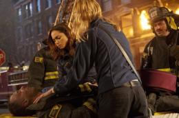 Lauren German Chicago Fire photo 8 sur 8