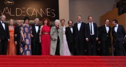 photo 358/711 - Alain Resnais retrouve l'équipe du film - Présentation de Vous n'avez encore rien vu - Cannes 2012 - 65ème Festival International Du Film De Cannes 2012 - © Isabelle Vautier pour CommeAuCinema.com