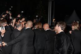 photo 50/143 - Brad Pitt (dans le tas de vestes) - Cannes 2012 - Nos plus belles photos du Festival de Cannes 2012 ! - © Isabelle Vautier pour CommeAuCinema.com