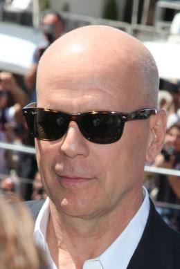 photo 77/143 - Bruce Willis avec classe - Cannes 2012 - Nos plus belles photos du Festival de Cannes 2012 ! - © Isabelle Vautier pour CommeAuCinema.com