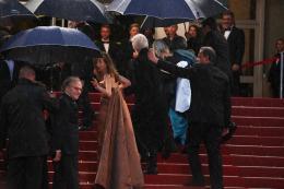 photo 132/143 - Isabelle Huppert, Jean-Louis Trintignant et Michael Haneke sous les parapluies - Cannes 2012 - Nos plus belles photos du Festival de Cannes 2012 ! - © Isabelle Vautier pour CommeAuCinema.com