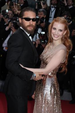 photo 105/143 - Tom Hardy (si, si c'est lui) et Jessica Chastain (litt�ralement lumineuse)  - Cannes 2012 - Nos plus belles photos du Festival de Cannes 2012 ! - © Isabelle Vautier pour CommeAuCinema.com