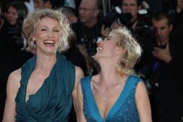photo 53/143 - Alexandra Lamy et sa copine Sandrine Bonnaire  - Cannes 2012 - Nos plus belles photos du Festival de Cannes 2012 ! - © Isabelle Vautier pour CommeAuCinema.com