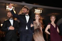 photo 95/143 - Sortie de projection pour le casting Des Hommes sans loi - Nos plus belles photos du Festival de Cannes 2012 ! - © Isabelle Vautier pour CommeAuCinema.com
