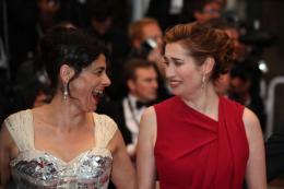photo 18/143 - Hiam Abbass et Emmanuelle Devos, de bonne humeur - Nos plus belles photos du Festival de Cannes 2012 ! - © Isabelle Vautier pour CommeAuCinema.com