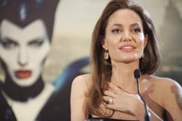 photo 51/125 - Angelina Jolie - Présentation du film Maléfique à Disneyland Paris - Maléfique - © Walt Disney Studios Motion Pictures France