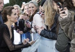 photo 109/125 - Angelina Jolie - Avant-première à Londres - Maléfique - © Walt Disney Studios Motion Pictures France