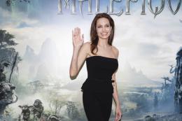 photo 42/125 - Angelina Jolie - Présentation du film Maléfique à Disneyland Paris - Maléfique - © Walt Disney Studios Motion Pictures France