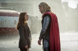 photo 20/143 - Natalie Portman, Chris Hemsworth - Thor - Le Monde des Ténèbres - © Walt Disney Studios Motion Pictures France