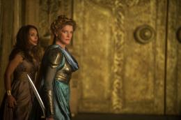 photo 22/143 - Natalie Portman, René Russo - Thor - Le Monde des Ténèbres - © Walt Disney Studios Motion Pictures France