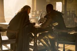 photo 13/143 - Chris Hemsworth, Adewale Akinnuoye-Agbaje - Thor - Le Monde des Ténèbres - © Walt Disney Studios Motion Pictures France