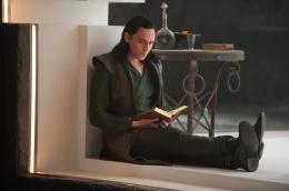 photo 37/143 - Tom Hiddleston - Thor - Le Monde des Ténèbres - © Walt Disney Studios Motion Pictures France