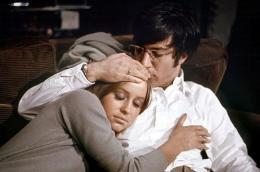 photo 3/13 - Dustin Hoffman et Susan George - Les Chiens de paille