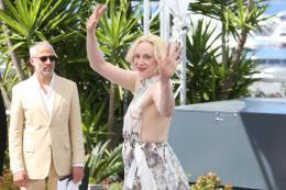 Gwendoline Christie Cannes 2017 : Top of the lake Photocall photo 6 sur 21