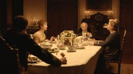photo 2/22 - Isabelle Huppert, Michel Piccoli, Catherine Deneuve - Les Lignes de Wellington - © Alfama Films