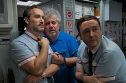 photo 3/35 - Pedro Almodovar, Javier Camara, Carlos Areces - Les Amants passagers - © Pathé Distribution