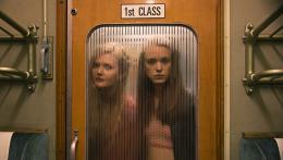 photo 37/95 - Sophie Kennedy Clark, Stacy Martin - Nymphomaniac - Volume 1 - © Les Films du Losange