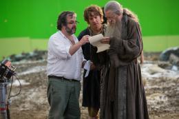 photo 59/125 - Peter Jackson, Martin Freeman, Ian McKellen - Le Hobbit : La Bataille des Cinq Armées - © Warner Bros