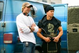 photo 12/35 - Michael Bay et Mark Wahlberg - No Pain No Gain - © Paramount