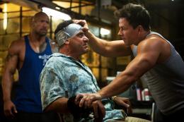 photo 17/35 - Dwayne Johnson et Mark Wahlberg - No Pain No Gain - © Paramount