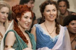 photo 14/16 - Jaime Murray, Lucy Lawless - Spartacus : Les Dieux de l'Arène - © Fox Pathé Europa