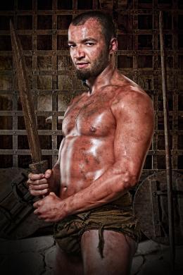 photo 3/16 - Nick Tarabay - Spartacus : Les Dieux de l'Arène - © Fox Pathé Europa