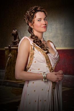 photo 7/16 - Lucy Lawless - Spartacus : Les Dieux de l'Arène - © Fox Pathé Europa