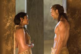 photo 15/16 - Marisa Ramirez, Dustin Clare - Spartacus : Les Dieux de l'Arène - © Fox Pathé Europa