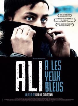 Ali a les yeux bleus photo 8 sur 8