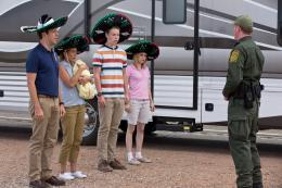 photo 41/61 - Jason Sudeikis, Jennifer Aniston, Will Poulter et Emma Roberts - Les Miller, une famille en herbe - © Warner Bros