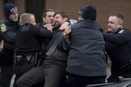 photo 31/64 - Jake Gyllenhaal, Hugh Jackman - Prisoners - © SND
