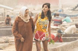 photo 12/31 - Fatima Naji et Reem Kherici - Paris à tout prix - © Gaumont Distribution