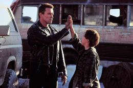 Terminator 2 : le jugement dernier Arnold Schwarzenegger, Edward Furlong photo 5 sur 12