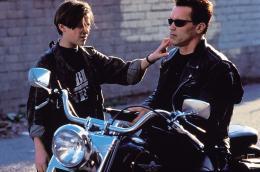 Terminator 2 : le jugement dernier Edward Furlong, Arnold Schwarzenegger photo 4 sur 12