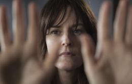 photo 2/5 - Rosemarie DeWitt - Touchy Feely