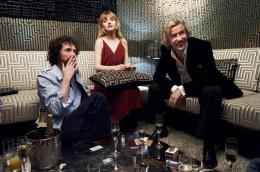 photo 11/14 - Chris Addison, Imogen Poots et Steeve Coogan - A Very Englishman - © Pretty Pictures
