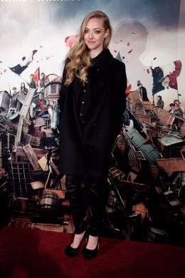 photo 55/85 - Amanda Seyfried-Avant-première du film Les Misérables à Londres - Les Misérables - © Universal Pictures International France