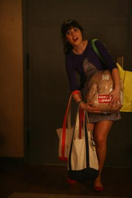 photo 12/16 - Zooey Deschanel - New Girl - Saison 1 - © Fox Pathé Europa