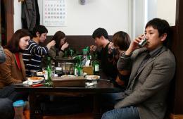 photo 5/10 - Seon-gyun Lee, Jeong Eun-Chae - Haewon et les hommes - © Les Acacias
