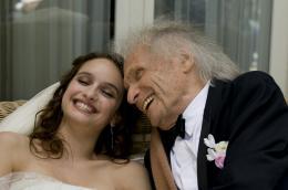 photo 21/25 - Clara Ponsot, Ivry Gitlis - Des gens qui s'embrassent - © Pathé Distribution