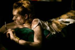 photo 24/27 - Jemima West - Maison Close - Saison 2 - © Canal Plus