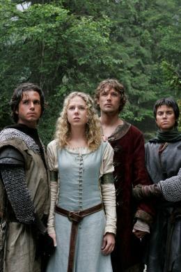 photo 3/15 - Christopher Jacot, Tegan Moss, John Reardon et Meghan Ory - Camelot et la quête du graal - © Zylo