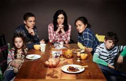 photo 4/7 - Roma Christensen, Reece Noi, Chloë Sevigny, Karla Crome et Jorden Bennie - Hit and Miss - Saison 1 - © Sky Atlantic / Red Production