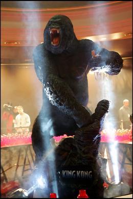 photo 310/360 - Avant-première de King Kong - Paris, le 10 Décembre 2005 - © Bertrand Rindoff Petroff - King Kong