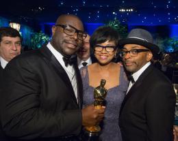 Steve Mc Queen 86ème Cérémonie des Oscars 2014 photo 1 sur 29