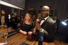 Steve Mc Queen 86ème Cérémonie des Oscars 2014 photo 2 sur 29