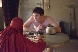 photo 7/20 - Vincent Lacoste, Michel Hazanavicius - Jacky au royaume des filles - © Pathé Distribution