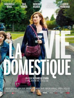 photo 9/9 - Emmanuelle Devos - La Vie domestique - © Ad Vitam