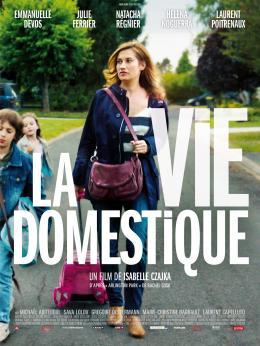 photo 26/130 - La vie domestique - Emmanuelle Devos - © Ad Vitam