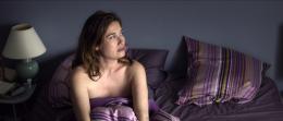 photo 38/137 - La vie domestique - Emmanuelle Devos - © Ad Vitam